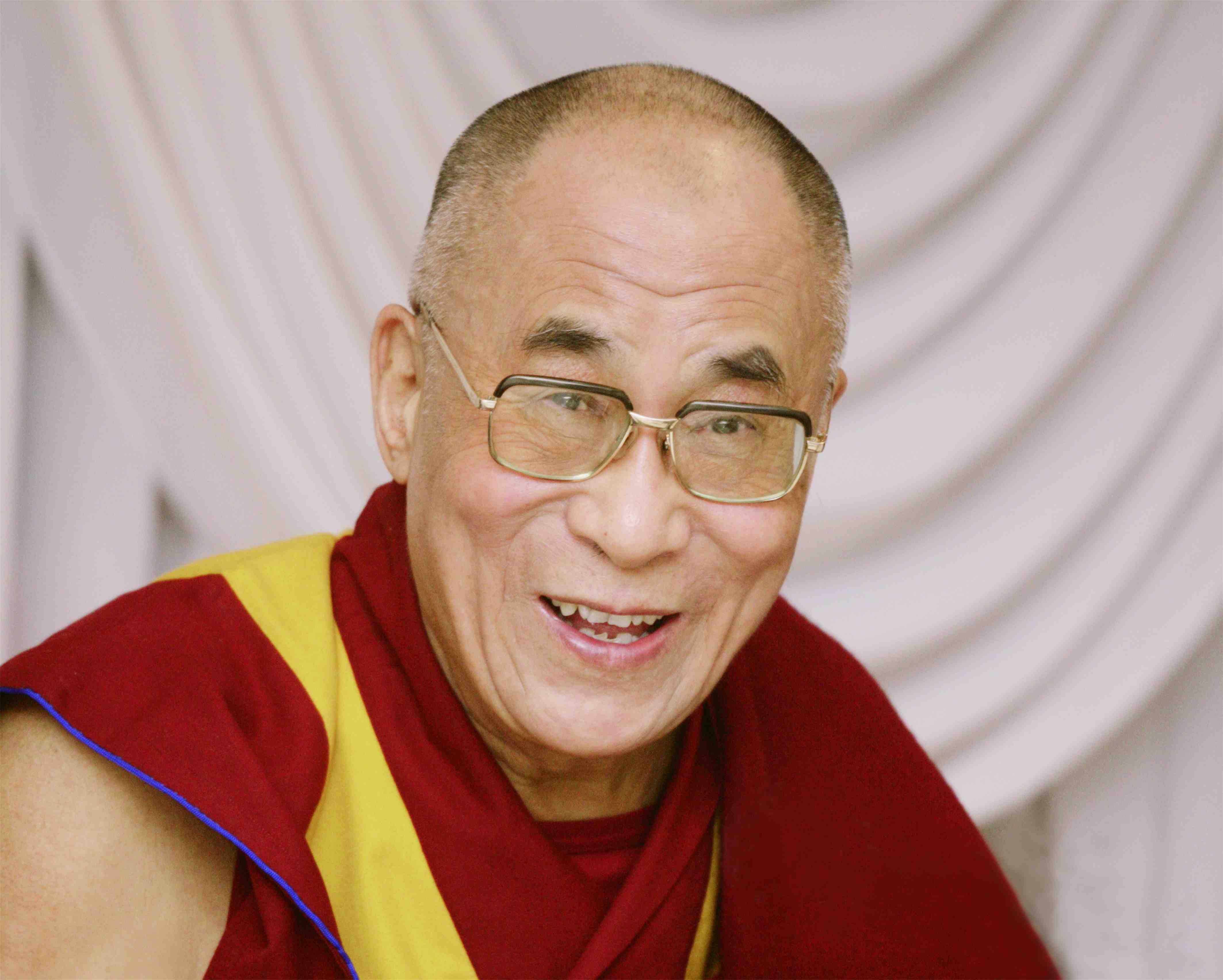 11月ダライ・ラマ法王来日! 東京では「ダライ・ラマ法王と科学者との対話―日本からの発信」が開催されます