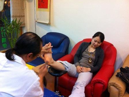 台湾の東洋医学「SIN SIN健康足療」でのヘソ灸体験