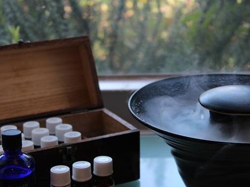 軍場大輝のメディカルアロマレッスン レシピ6「精油の使い方①」