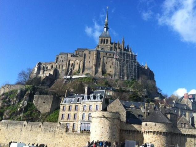 フランスで最も有名な巡礼地を行く! モン・サン・ミッシェル ― 大天使ミカエル信仰
