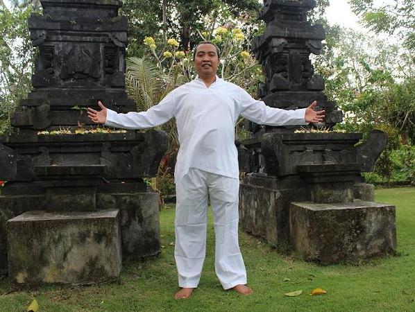バリ島のヒーラー レディ・スプラディアントさんインタビューPART.1~神への感謝~