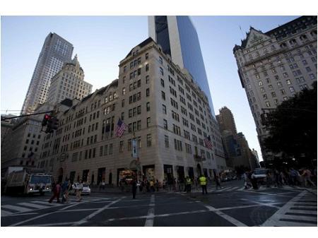 ニューヨーカーの夢を112年間見つめる奇跡のデパート『ニューヨーク・バーグドルフ 魔法のデバート』