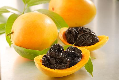 11月14日は「世界糖尿病デー」~プルーンなどの加工していない果実を食べると2型糖尿病の発病リスクを抑制できる?~