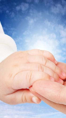 赤ちゃんの手