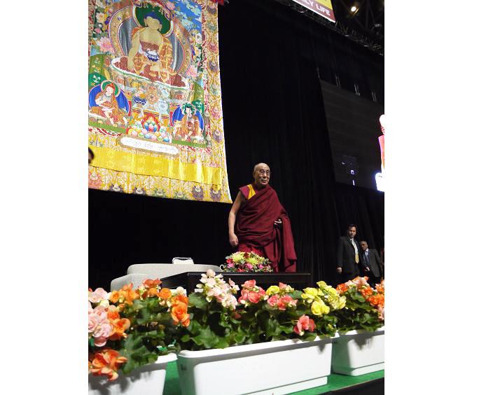 共同体の一員として、共に一緒に生きるということ。ダライ・ラマ法王講演レポート