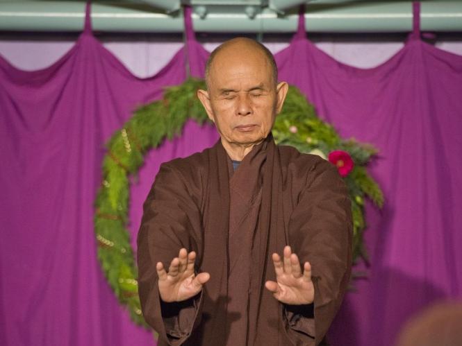 「マインドフルネスに食事を頂くこと」~ティクナットハン師が教える食事による瞑想