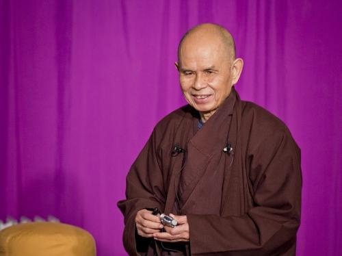 「怒りを含んだものを食べない」~ティクナットハン師が導く食事瞑想法