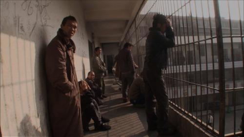 「精神病患者1億人」中国。カメラが映し出す精神病院の鉄格子の中『収容病棟』