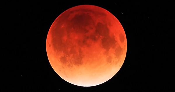 緊急! 本日8日は改革のエネルギーを持つ「皆既月食」です!