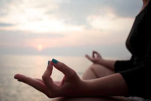 「瞑想」は心の傷を癒してくれる