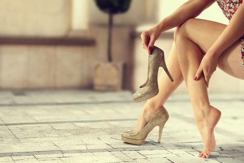 鍼灸師が答えます。つらい脚のむくみ。その原因と解消法は?