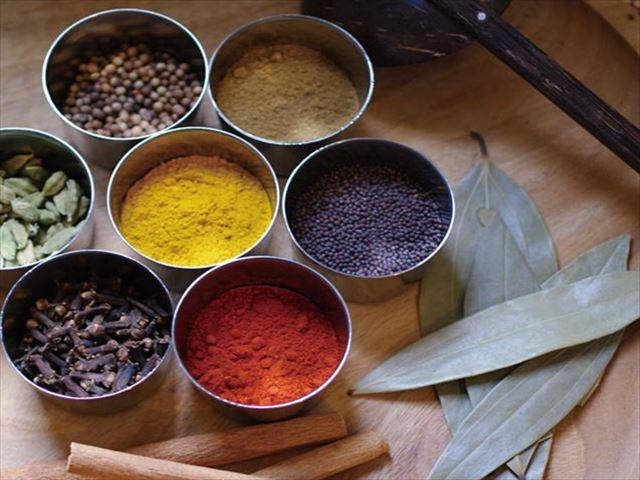 白湯、スパイスティー、ラッシー……消化力を高めるアーユルヴェーダドリンクと、アーユルヴェーダ的季節の過ごし方
