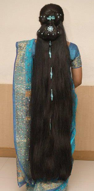 インド女性のフサフサ長い髪