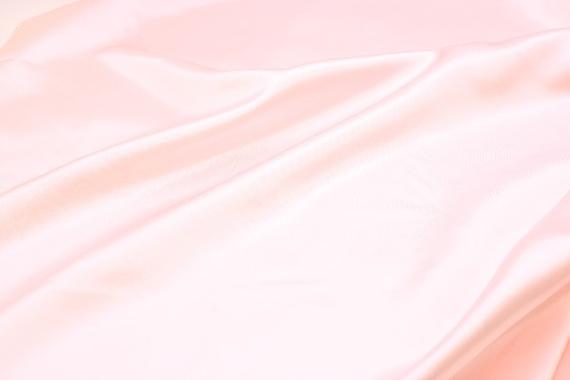 【ピンクの深呼吸】1日5分で幸せに! 呼吸のカラーセラピー