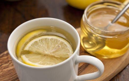 朝一ホットレモンは消化促進に最高の飲み物(1)