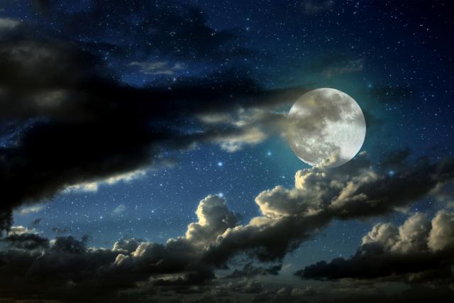 <2015年10月27日21時5分はおうし座の満月です>