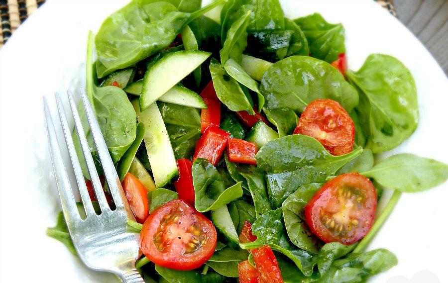 サラダはランチ時か暑い季節に楽しむのがグッド2