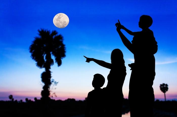 《2016年2月23日午前3時20分は、おとめ座の満月です》