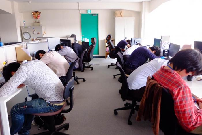 企業の昼寝制度を取材「ナノコネクト」