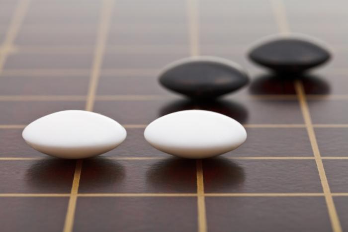 宇宙を表現し、未来を予見するゲーム「囲碁」で人工知能が勝利