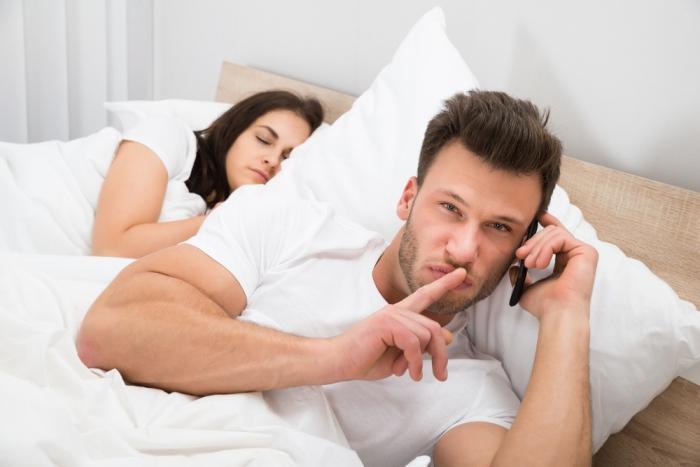 引き寄せの法則で、彼氏の浮気を止めさせる意外な方法とは?
