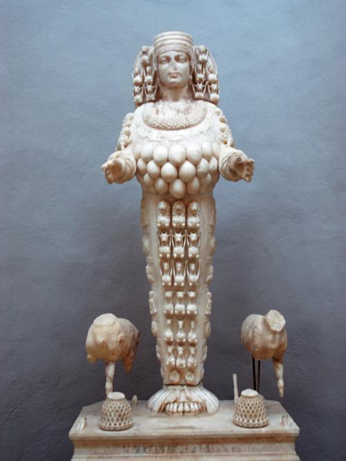 【ディアナ神像 トルコ エフェソ考古博物館】