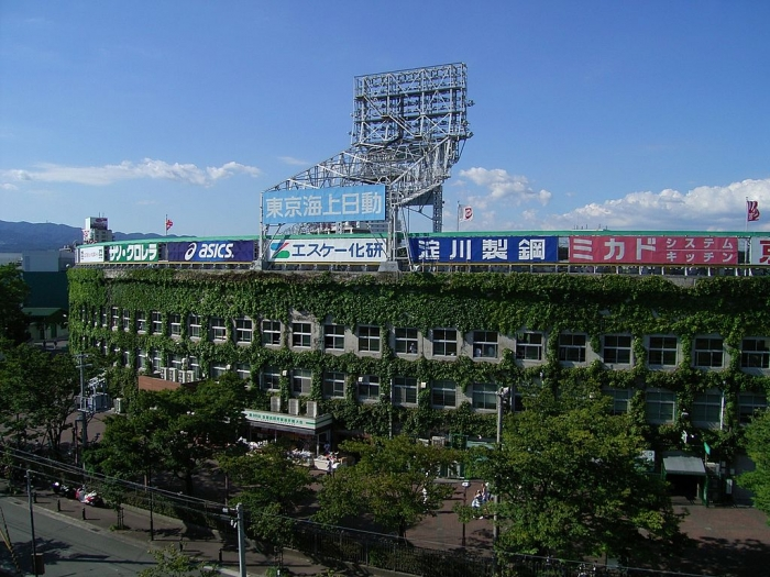 高校野球の聖地 甲子園球場には、スピリチュアルな彩りもあった