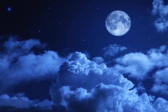 《2016年8月18日18時26分はみずがめ座の満月です。》