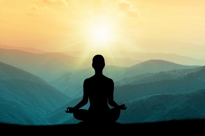 """本物の瞑想とは、どんなものか? 深遠なる""""空""""の旅路があなたの世界を広げるでしょう……"""