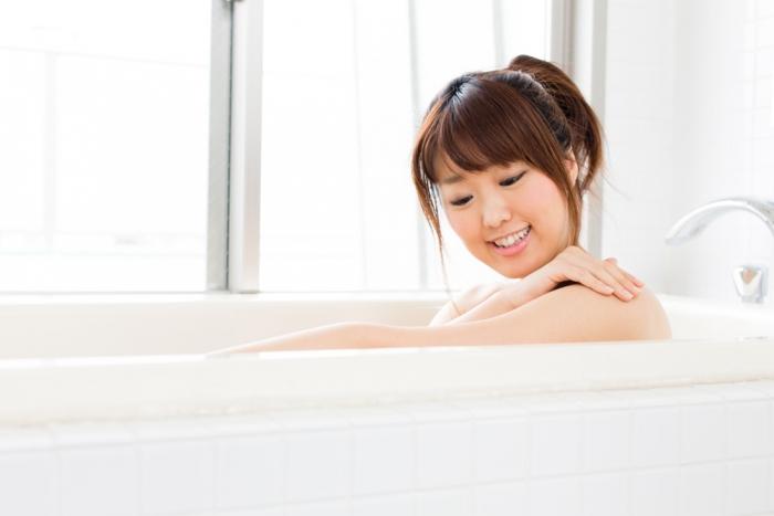 妊活の冷え改善になっていない間違った入浴法とは?〜シャワー浴? それとも湯ぶねにつかる派?