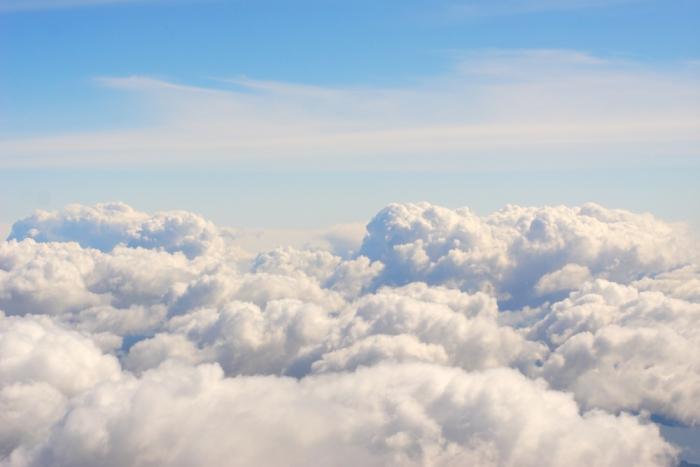 もっと雲のようになる。〜ガイドがあなたを正しい方向に導き、手伝ってくれます。