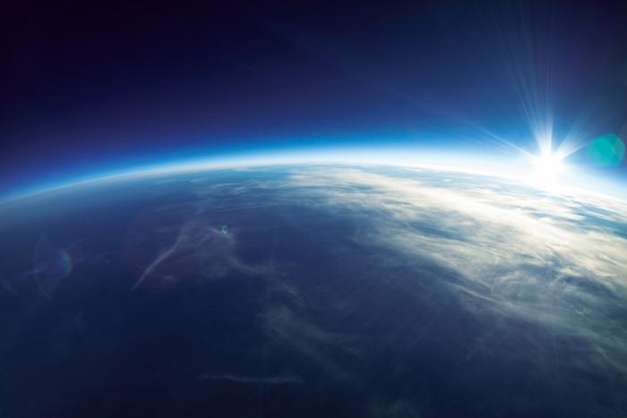 """「満月と月食の夜は電波のバリアが弱まるから、 彼ら(宇宙人)にテレパシーが送りやすくなるんだ」 シリウスB星の高次の意識体""""ポコプン""""からのメッセージPart.62"""